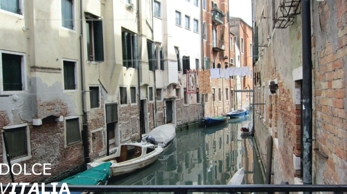 Venezia canal with boats