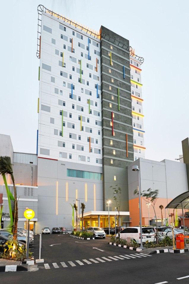 Pop Hotel Kelapa Gading Jakarta Utara