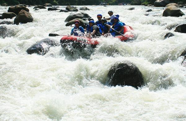 rafting sungai elo megelang